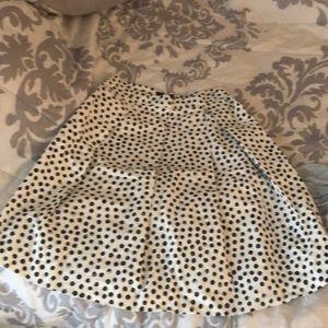 Knee level skirt